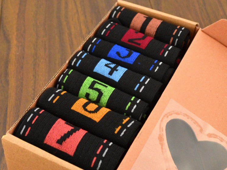 Hot selling New style Men 7 Pairs Candy Colors comfortable flexible beautiful Cotton Week Ankle Socks with gift box