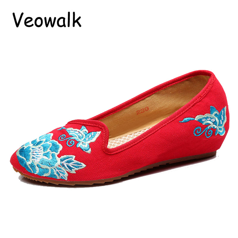 Veowalk New Fashion Woman Flats Shoes,Women Old Peking Pointed Toe Flower Embroidered Casual Shoes sapato feminino Plus Size 41 2017 new fashion spring ladies pointed toe shoes woman flats crystal diamond silver wedding shoes for bridal plus size hot sale