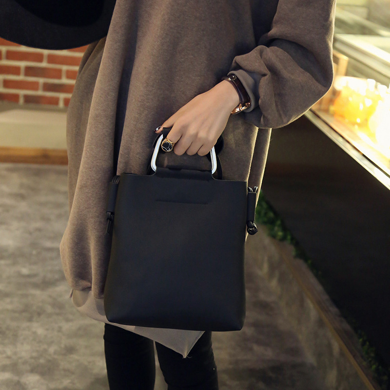 Totes Pu Cover Solid Bag Single Tassel Unisex Solid 2016 New Winter Bag  Satchel Vintage Iron Rake Bucket Shoulder Hand Cross -in Totes from Luggage    Bags ... faba7b0720db7