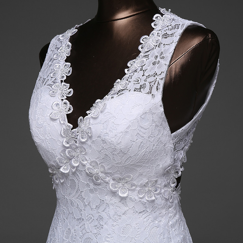 V-Neck Beautiful Backless Mermaid Wedding Dress 3