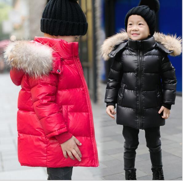 2016 de invierno nuevos niños abajo chaqueta en el medio de la párrafo largo de la capa del niño engrosamiento de lana de cuello grande boy