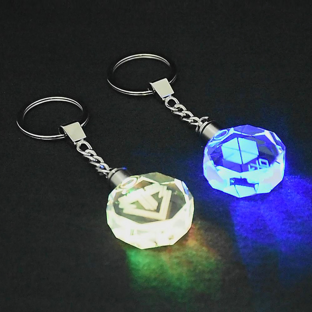 KPOP EXO BIG BANG Keychain Baekhyun Sehun G-DRAGON T.O.P DO Crystal LED Light Key Chain Ring Keyring