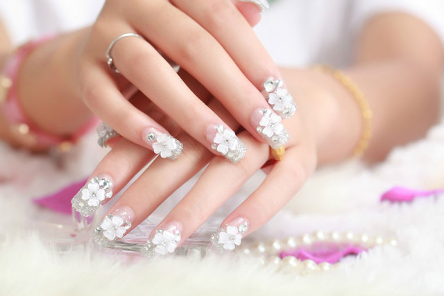 Elegant Shining Silver Glitter Acrylic Faux Nails Crystal Floral