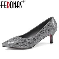 FEDONAS Top Qualité Femmes Véritable Chaussures En Cuir de Haute Talons Pompes Paillettes Parti Chaussures De Mariage Femme Sexy Bout Pointu Pompes