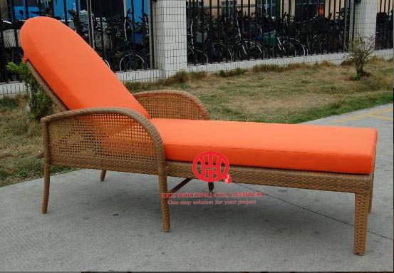 Outdoor Rattan Furniture Beach Chaise Lounge Modern Elegant Wicker Cheap Patio Garden Rattan Chaise Lounge