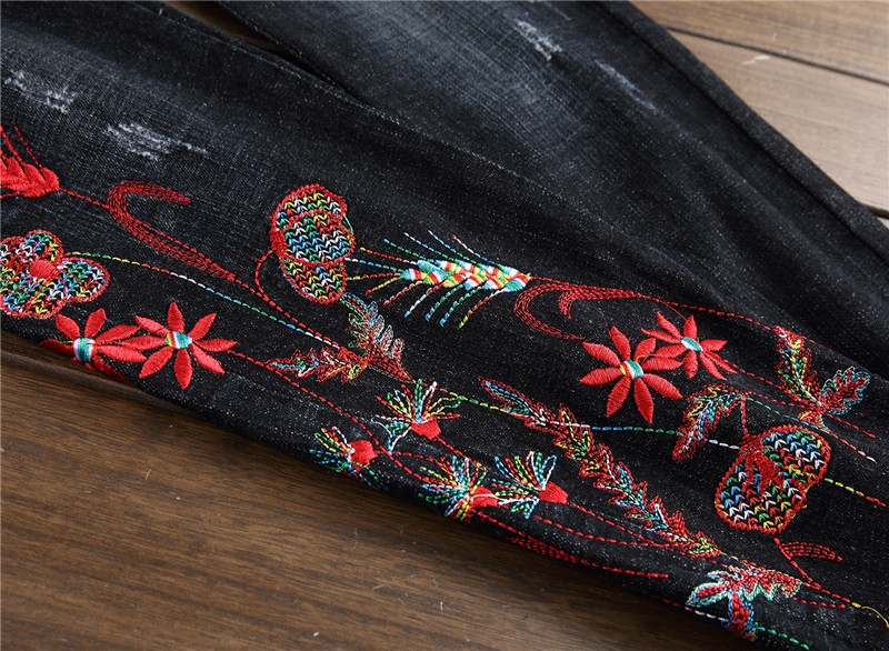 Newsosoo 2018 Casual Men Embroidery Straight Jeans Brand Flower Pattern Personality Male Fashion Denim Jeans Pants Black (1)