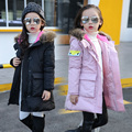 Meninas Casacos de inverno 2016 Da Moda Gola De Pele Com Capuz Longo Novo Grossas de Inverno Quente Parka Crianças