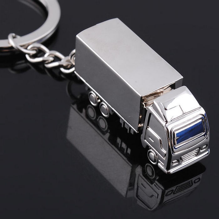 High Quality Novelty Items! Truck Charm Keychain Mens Adventure Key Chain Key Ring Jewelry Car Accessories Gift Christmas