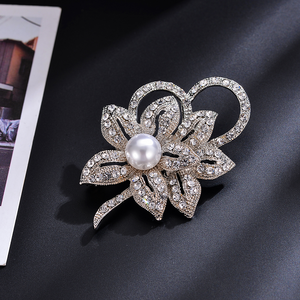 Detail Feedback Questions about Silver Gold Color Brooches Pins Crystal  Pearl Decor Flower Shape Clothes Accessories Brooches for Women Romantic  Brooch ... 7642e94c42ee