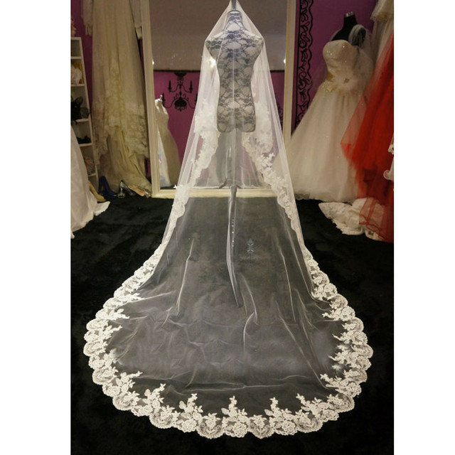 Top Quality 2017 New Long White Ivory Tulle Lace Edge Wedding Veils Free Shipping Wedding Accessories V7