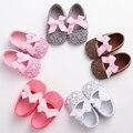 Nuevo Cuero de LA PU Dulce Bebé Recién Nacido Zapatos de Princesa Girls Del Verano del bebé mocasines zapatos de Suela Blanda antideslizante zapatos infantiles de La Flor