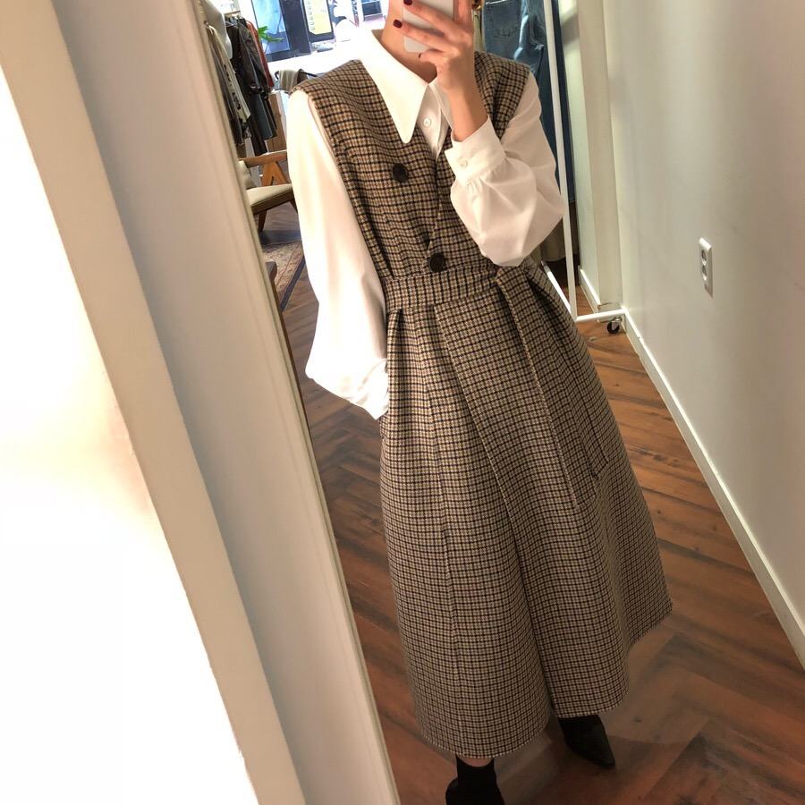 2018 Women's Suit Korea Autumn and Winter Vintage Solid Color Doll Collar Shirt + Plaid V neck Sleeveless Vest Dress with Belt