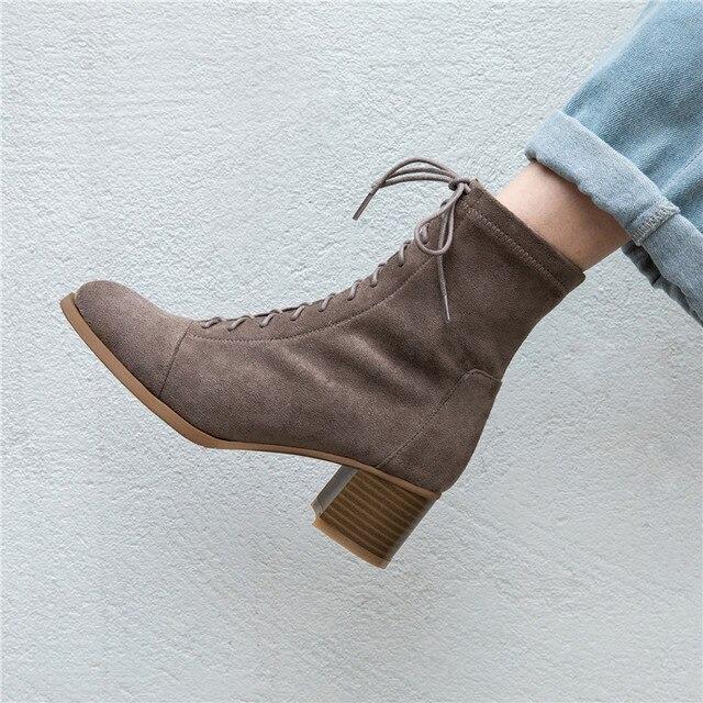 حذاء من الجلد للنساء 22 25 سنتيمتر طول الخريف والشتاء أحذية النساء جولة تو مرونة القماش المخملية منتصف كعب الجوارب الإناث + الأحذية
