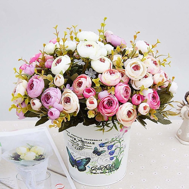 1 Buket Bunga Buatan dengan Harga Murah Sutra Bunga Eropa Jatuh Kecil Teh  Bud Palsu Daun e192f77d92