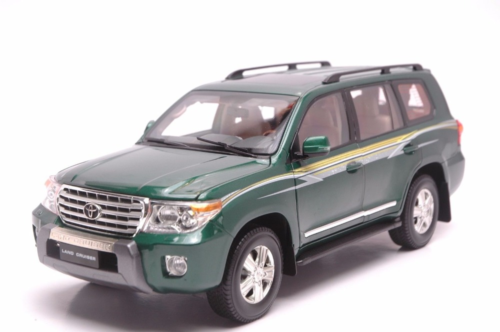 1:18 Diecast Model for Toyota Land Cruiser 200 LC200 2012 Green SUV Alloy Toy Car Collection Gifts 1 18 diecast model for toyota ez verso black hatch back alloy toy car collection gifts fuv