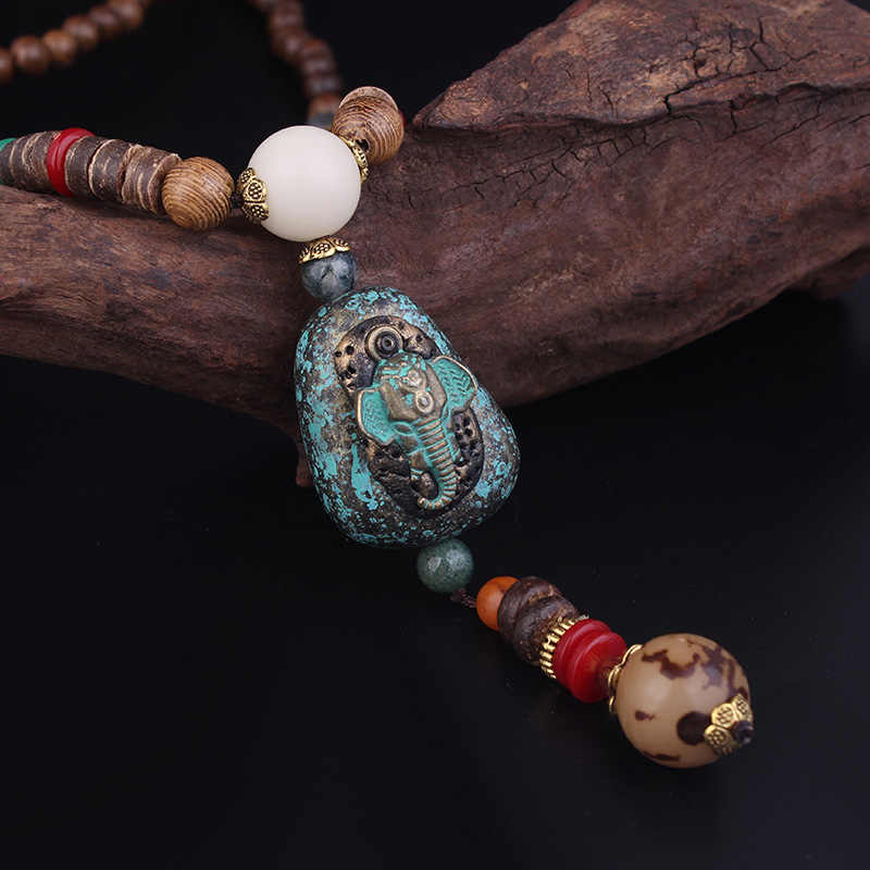 Vintage Necklace Wood and beads