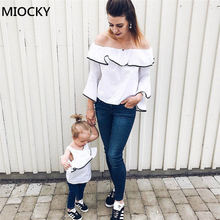 цены Family Matching Clothes 2019 Kids White T-shirts Long Sleeve Off-shoulder T Shirt Mother And Daughter Clothes Family Look E0186