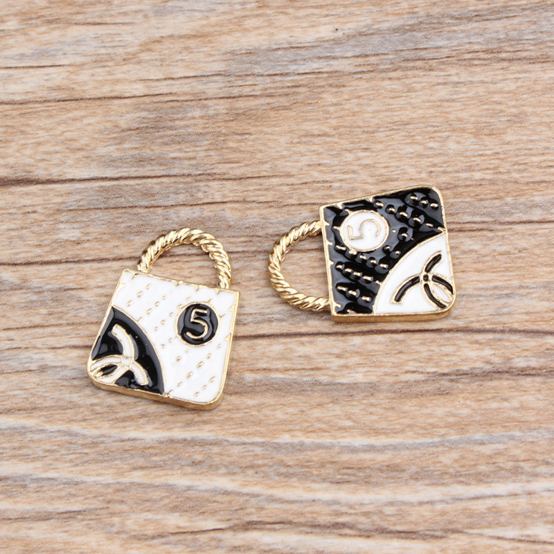 10pcs/Bag Lovely Lady Bag Enamel Charms Necklace Making Handbag Alloy Pendant For Bracelets Jewelry Accessories DIY Craft YZ072(China)
