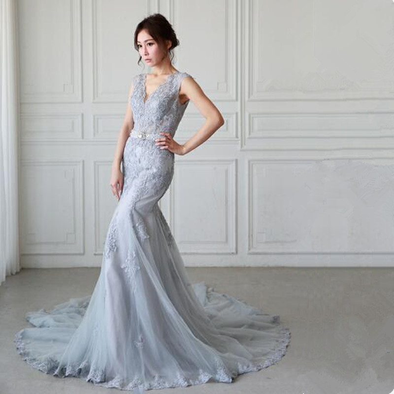 Sexy V Neck Formal Evening Gowns 2018 Lace Appliques Beaded Mermaid Gray Long Prom Dresses Backless Tulle Evening Dresses