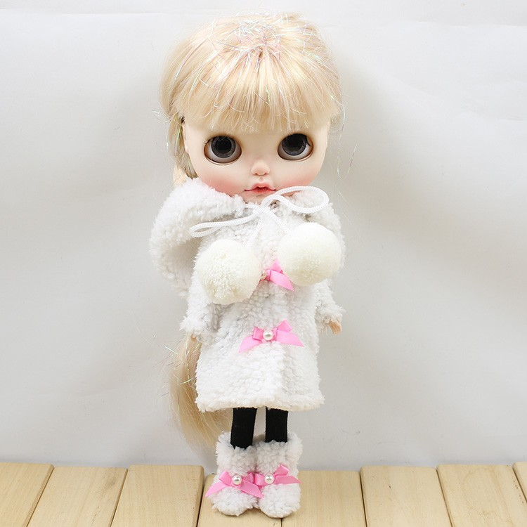 Neo Blythe Doll Winter Suit With Shoes & Stocking 3