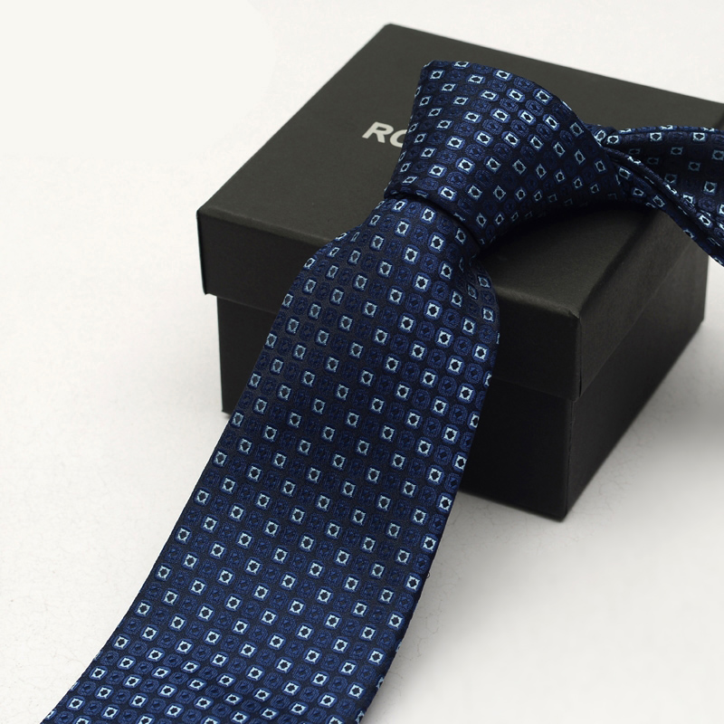 High Quality 2019 Blue Plaid Ties For Men 8cm Profession Necktie Traditional Wear Wedding Party Mens Ties Gravata With Gift Box