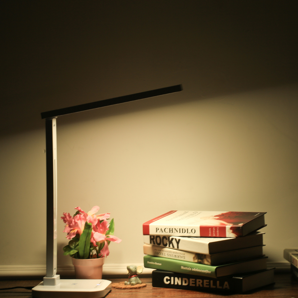 Foldable Rotatable LED Desk Lamp Eye Protection Smart Table Lamps Desklight Temperature Control Light Dimmable 1.5A USB Charging