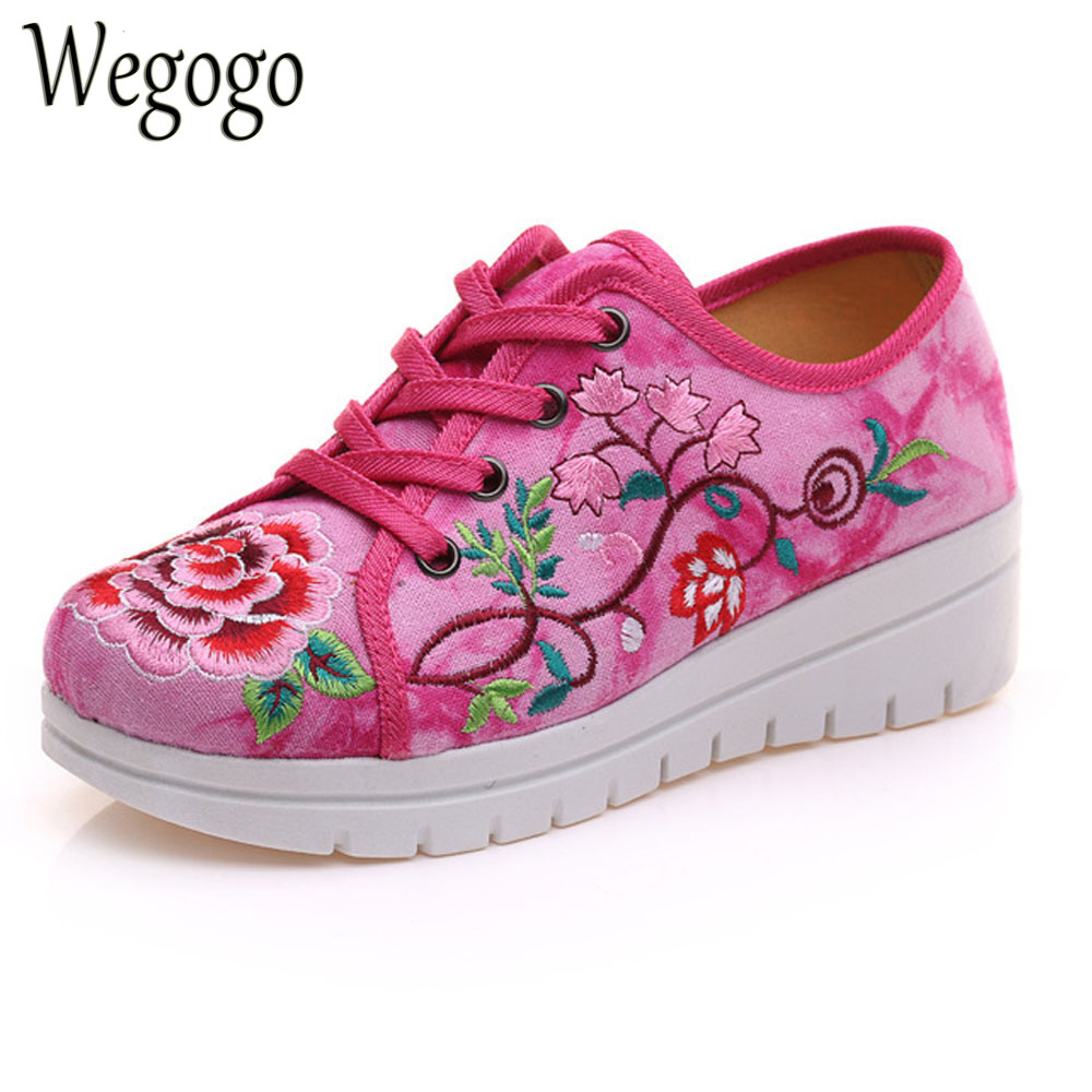 Vintage Chinese Women Flats Shoes Canvas Flower Lace Up Woman Casual Cotton Platforms Cloth Shoes Sapato Feminino Size 34-41 vintage women flats chinese fashion beads embroidered casual canvas shoes slip on shoes for woman white shoes