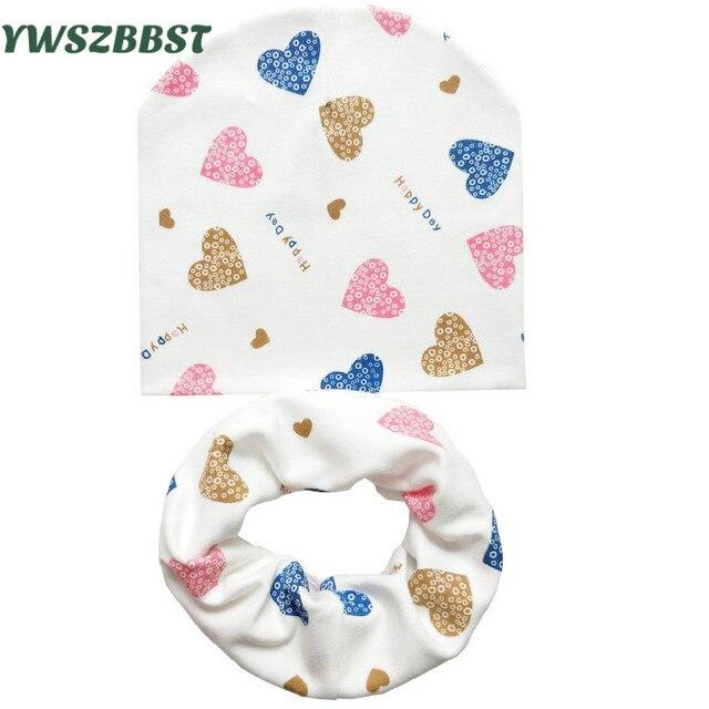 Детская шапка детские шапки хлопковый шарф Детские шапочки Любовь Сердце печати весна осень дети шляпа шарф набор для маленьких девочек Шляпы реквизит для фотосессии