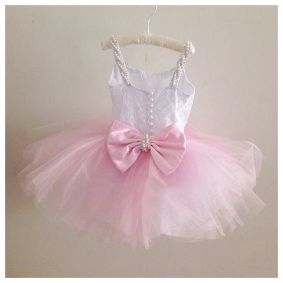 2017 Cute pink Summer flower girl dresses with Pearls Bow lovely kids tutu ball gowns for one year birthday party cute sheer lace crew collar knee length ball gowns lovely white black pink tutu flower girl dresses for wedding birthday party