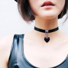 Gotický řetízek upnutý na krku s přívěskem srdce pro ženy