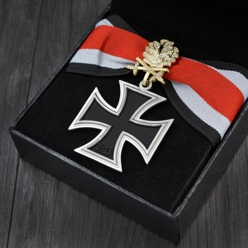 Superior Quality Germany knights Corss Medal Badge with gold Oak Leaves and Ribbon with box and