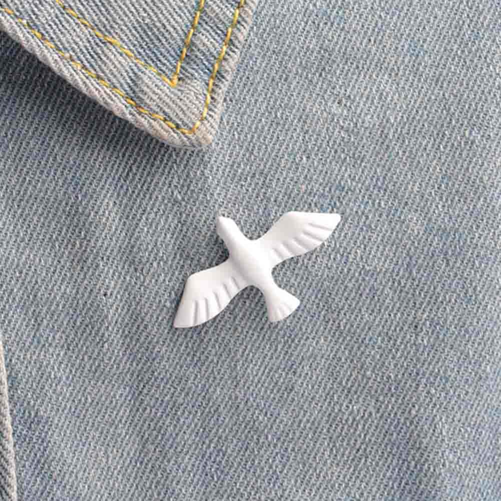 New Exaggerated Cute White Paint Peace Dove Metal Pigeon Brooch Bird Collar Pin Brooch