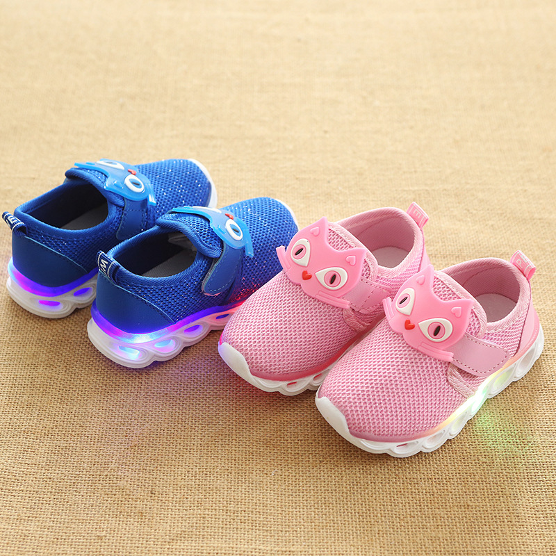 2018 European high quality LED lighted baby sneakers elegant patchwork boys girls shoes Lovely cute cool baby first walkers