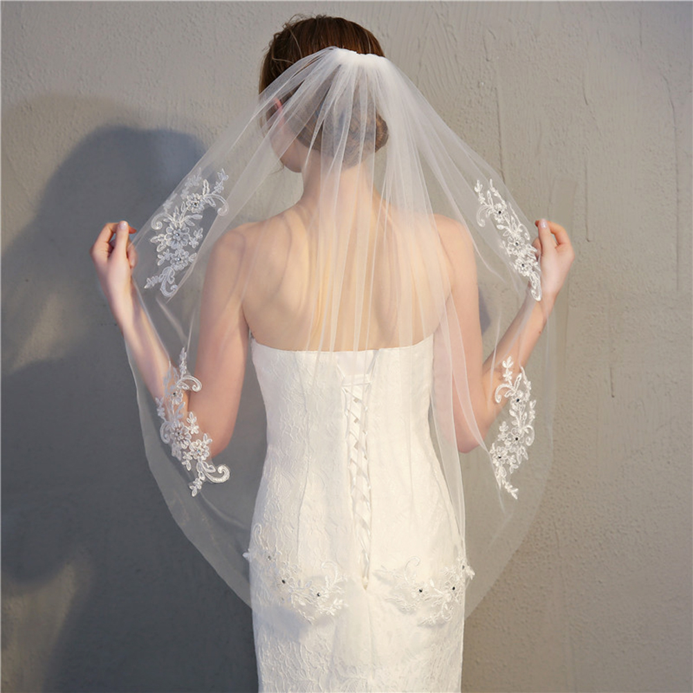 Simple And Elegent Crystal Beaded Short Bridal Veils With Lace Appliques (White)