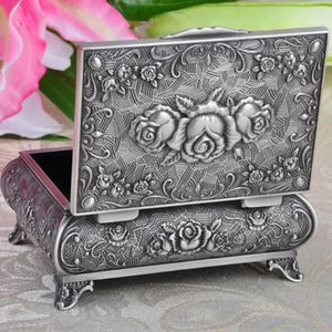Image 5 - Wysokiej jakości pudełko z biżuterią ze stopu cynku metalowy futerał na drobiazgi Vintage Flower rzeźbiony projekt szkatułka na biżuterię pudełko