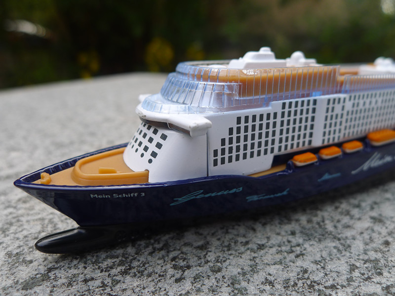 Siku Mein Schiff Cruise Ship Classic Boutique Alloy - Toy cruise ships for sale