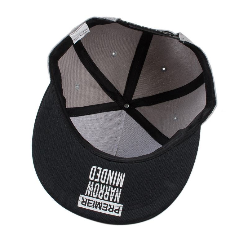 2017 new fashion snapback baseball cap flat brimmed hat visor hat wild  personality hip hop hats for men women-in Baseball Caps from Apparel  Accessories on ... 78b25173b1