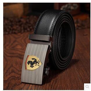 Ferrari alargado cinturón de cuero para hombres
