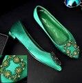 5 .. 2017 sping verão Dedo Do Pé Redondo Slip-On Sapatos único diamante verde de cetim com sapatos bicudos mulheres