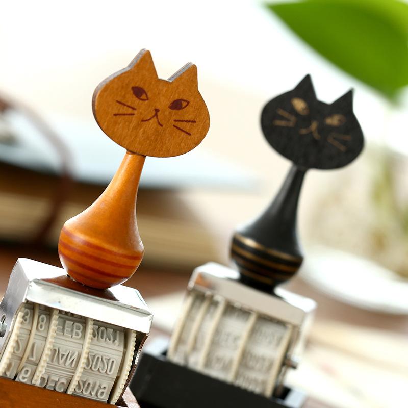 1pc Cartoon Cat Vintage Date Stamp DIY Stamp Roller Knob Cute Stamps Stationery Supplies 1pc 28cm cartoon simulation 3d cat
