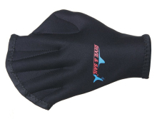 Webbed dive glove