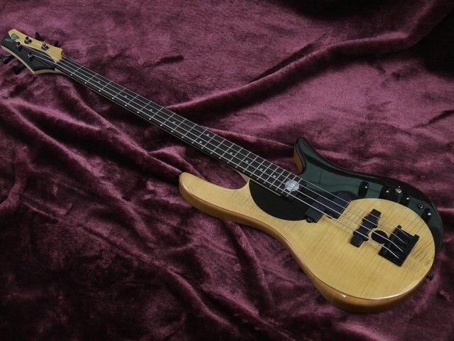 Yin an Yang 5 String Bass guitar with active pickups
