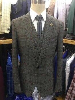29b2c062b Últimas escudo Pant diseños hombres trajes Slim Fit smoking del novio  Groomsman hombres trajes 2018 para la boda enrejado cuadrado pantalón  chaqueta chaleco