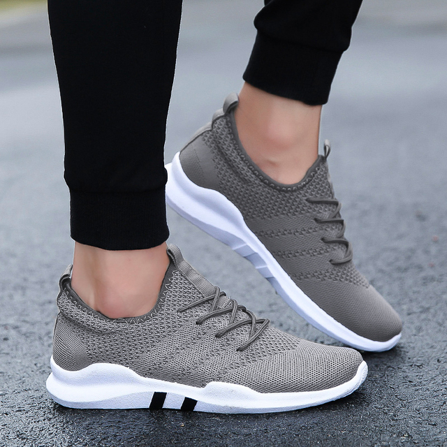 Spring Lightweight sneakers fashion Autumn famous brand Lace-up Style Shoes Comfortable Casual Style Men adult Footwear