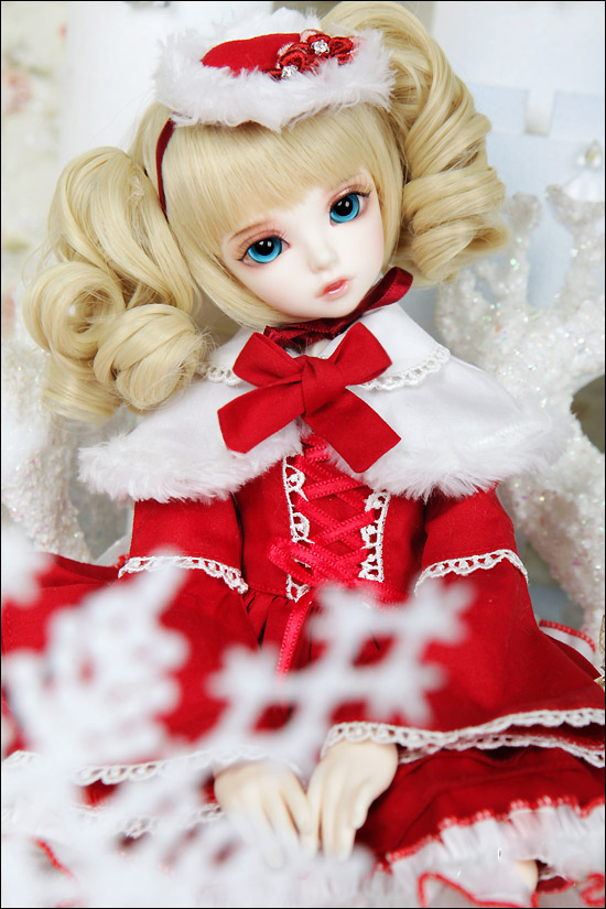 1/4 scale about 40cm BJD nude doll Girl KIWI recast BJD doll Resin model toy.not include clothes;shoes and wig.A15A996 1 4 bjd dollfie girl doll parts single head include make up shang nai in stock