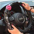 1 unids Moda PAPÁ diamante cubierta del volante del coche para las niñas de color rosa negro cuero de LA PU Cuatro Estaciones Car Styling Interior accesorios