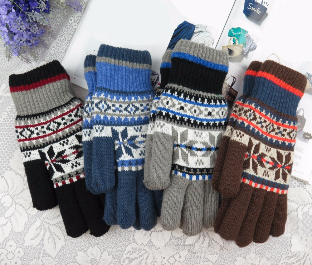 2017 Warm Winter Gloves male Knitted Wool lined Wrist Gloves for Men Snowflake Pattern Full Finger fitness Gloves Mittens