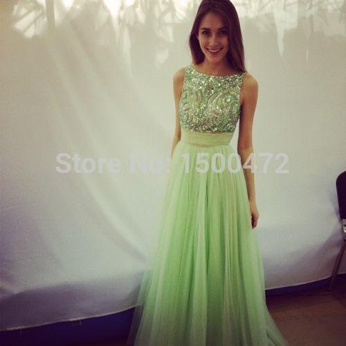 2599f9ac56d3 Belleza una línea verde menta vestido de fiesta con cuentas Scoop ...