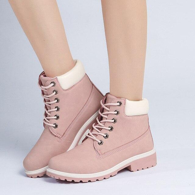 2016 Новый Розовый Нубука Кожаные Ботинки Женщин зашнуровать Твердые случайные Ботинки Мартин Круглым Носком Женщины Обувь Древесины Сапоги XWN0882