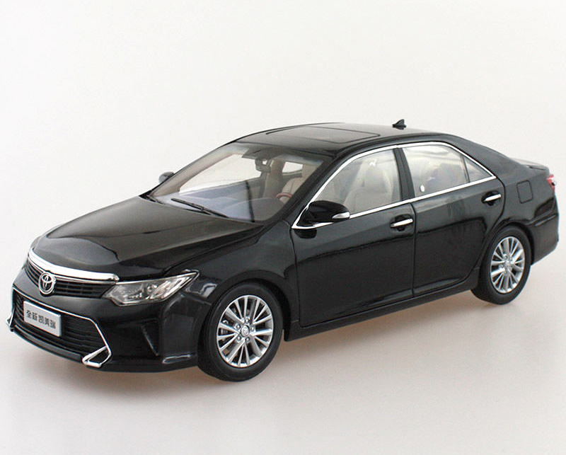 1:18 Scale Diecast Model Car for Toyota Camry 2015 Black Alloy Toy Car Collection CRV CR V maisto bburago 1 18 fiat 500l retro classic car diecast model car toy new in box free shipping 12035